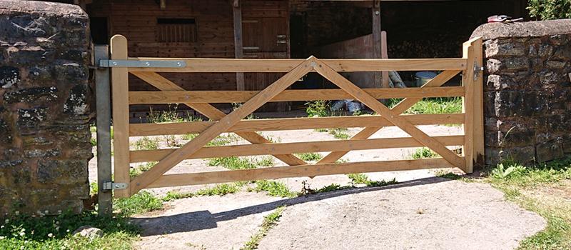diamond brace gate 800